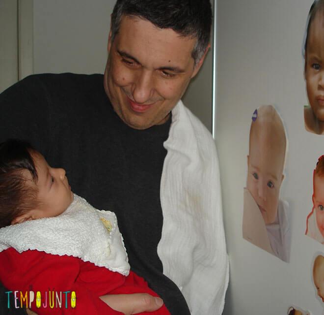 brincadeiras para bebês de 0 a 6 meses - Luiz com Carol