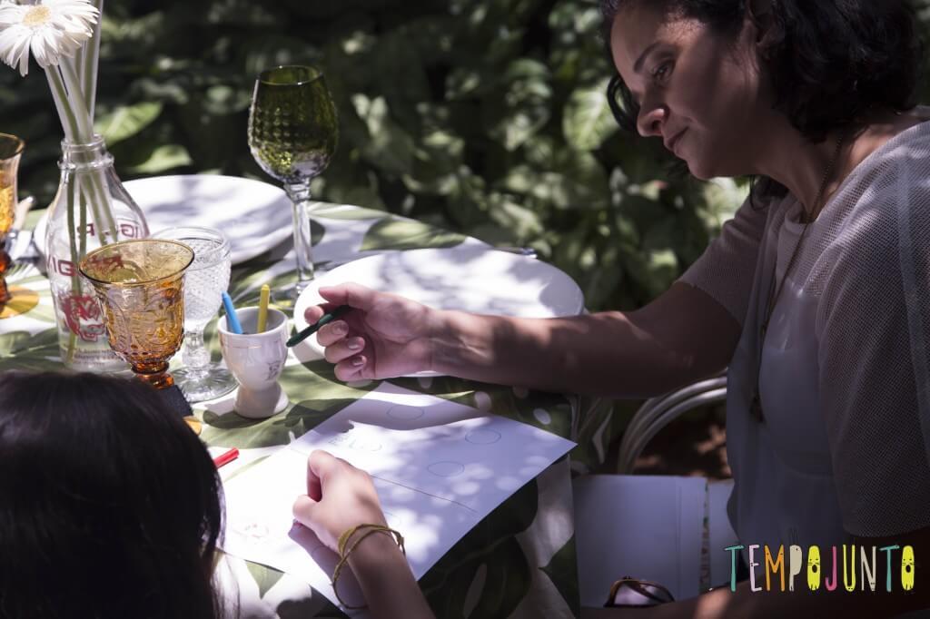 Atividade no restaurante - jogo das emoções - conectando com o filho pela brincadeira