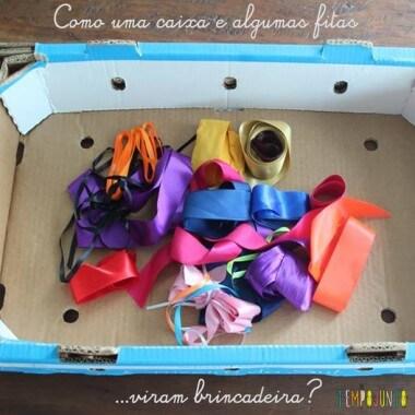 Descoberta sensorial com caixa e fitas
