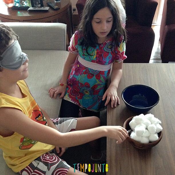 melhores brincadeiras em família - jogo do algodão