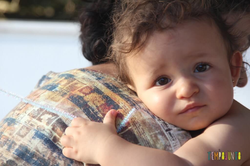 Verão em casa com um bebê de 1 ano - limpador de cachimbo