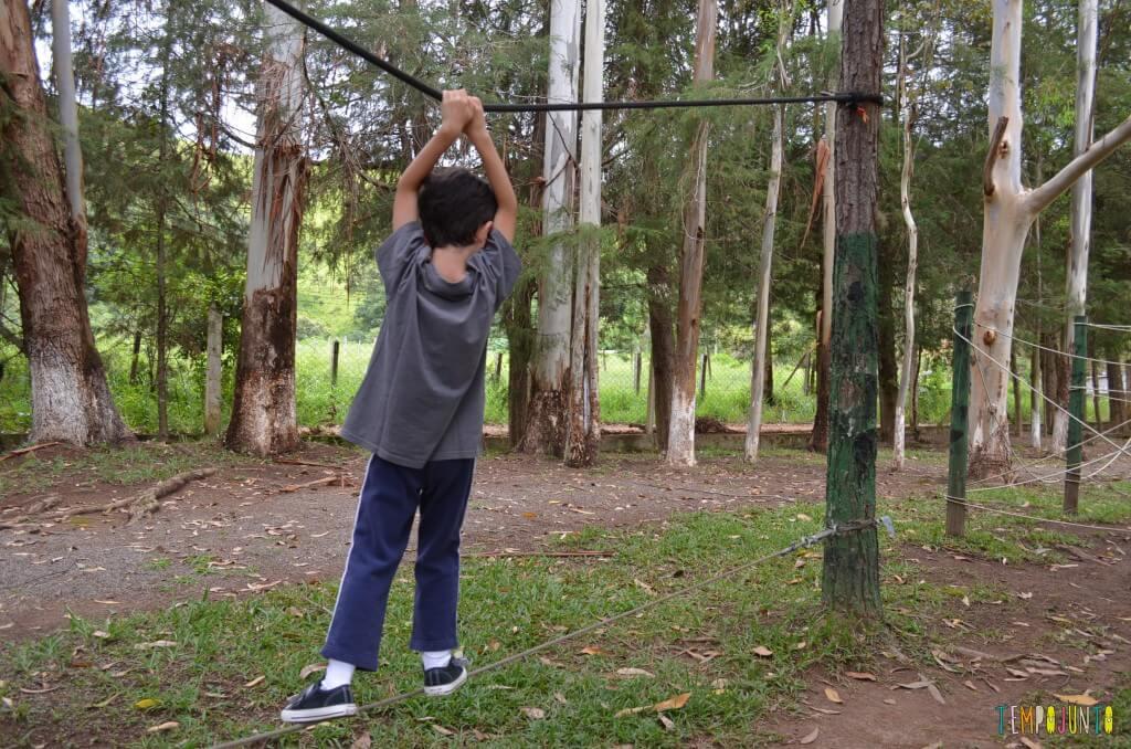brincar ao ar livre - henrique na corda