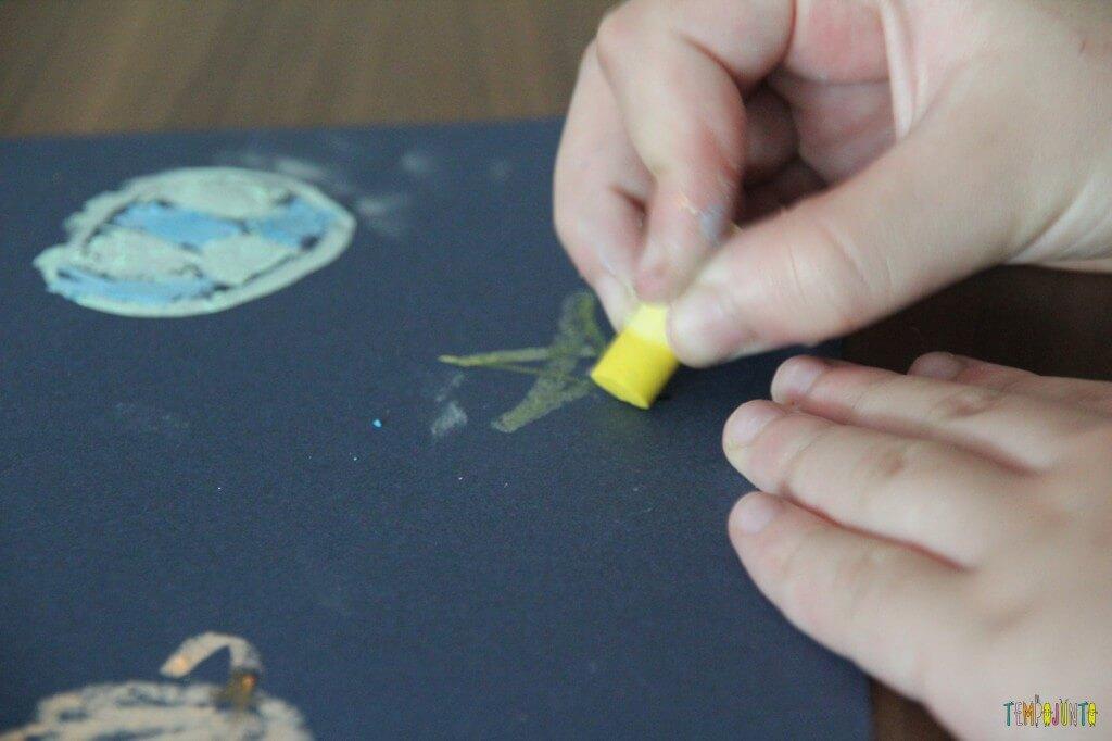 Desenho com giz molhado - carol desenhando