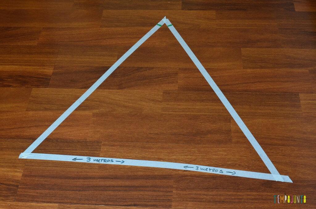 4 desafios que ajudam no desenvolvimento das crianças mais velhas - triângulo