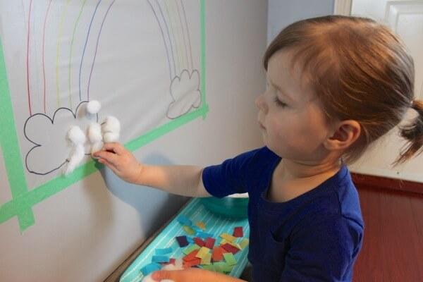 10 ideias criativas para brincar com papel contact - Arco iris de papel contact