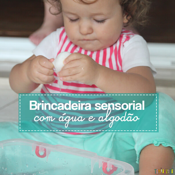 Brincadeira Sensorial com água e algodão para bebês