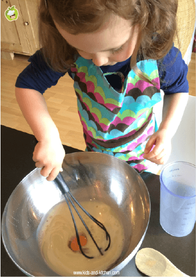 Receita com crianças: um panffin delicioso - misturando na tijela