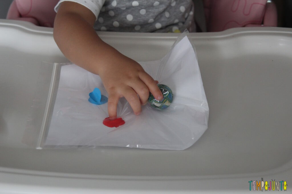 Pintura sem sujeira para bebê - dedos da gabi