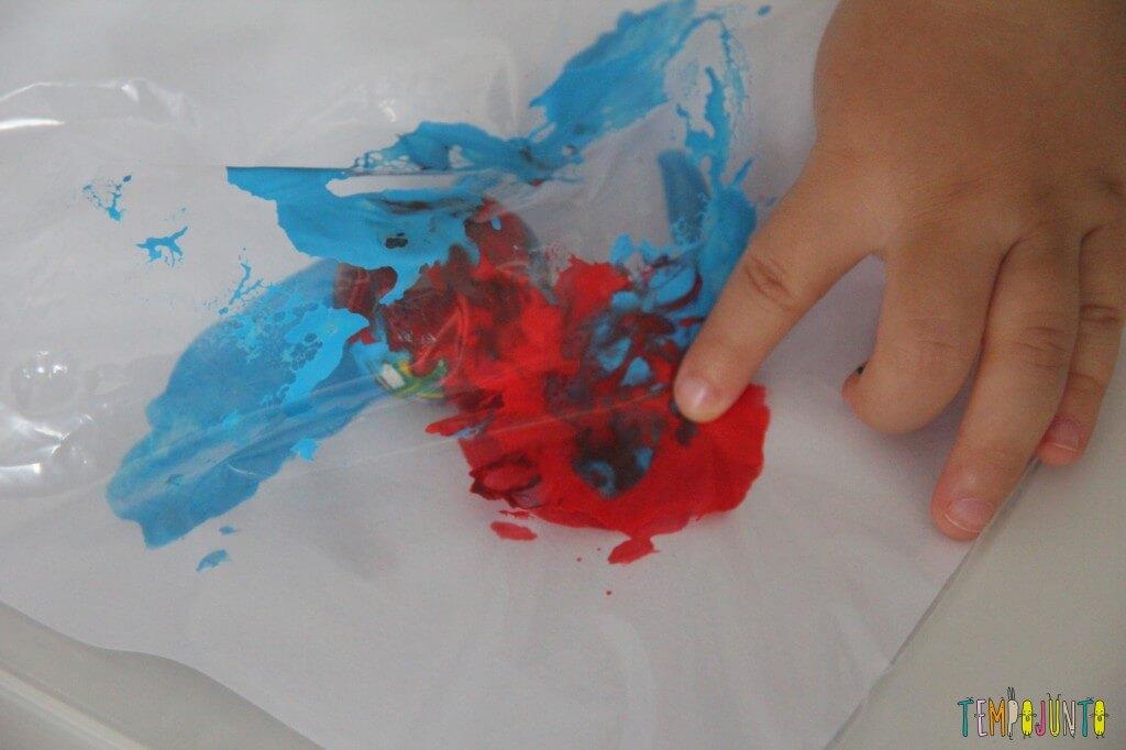 Pintura sem sujeira para bebês - como ficou