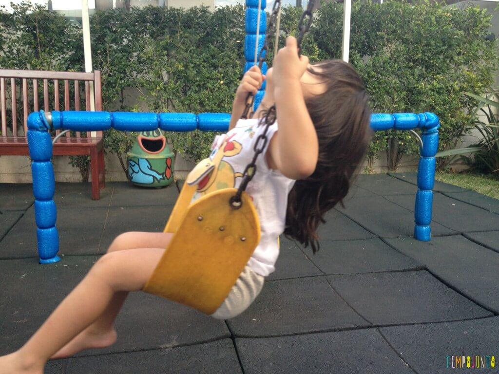 11 Brincadeiras para estimular o sexto e sétimo sentidos das crianças - balanço