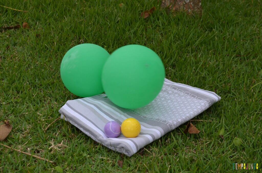 3 brincadeiras ao ar livre com lençol e bolas e peixinhos - material mini golfe e bexiga