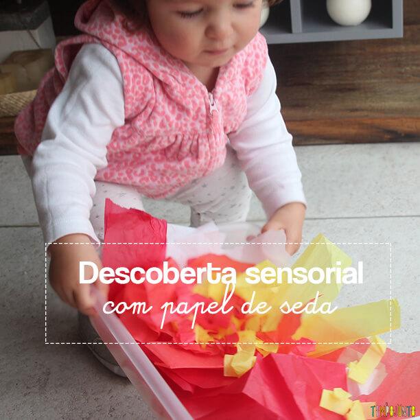 Descoberta sensorial com papel de seda