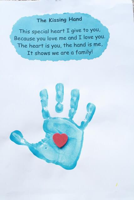10 ideias criativas de cartão de Dia dos Avós feito pelas crianças - coração na mão