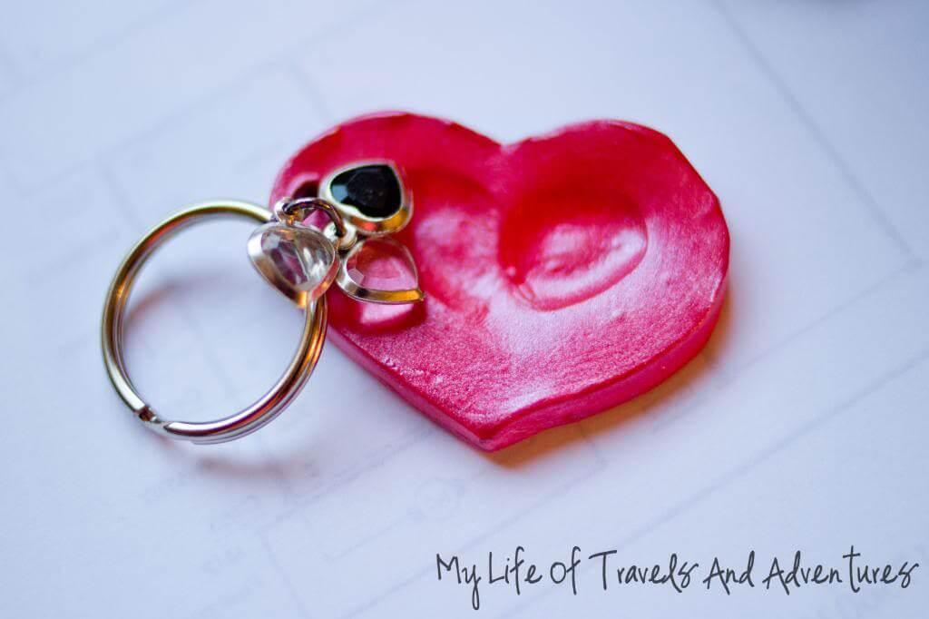 10 ideias de presentes caseiros para o Dia dos Avós - chaveiro com impressao