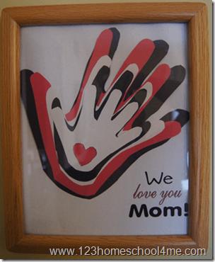 10 ideias de presentes caseiros para o Dia dos Avós - quadro de maos