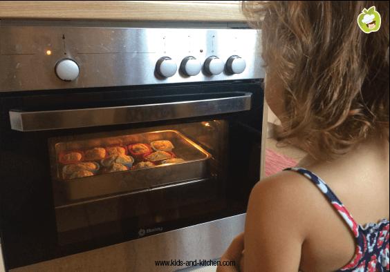 Na cozinha com crianças - Bolinho de Abobrinha com Queijo de Cabra  - forno
