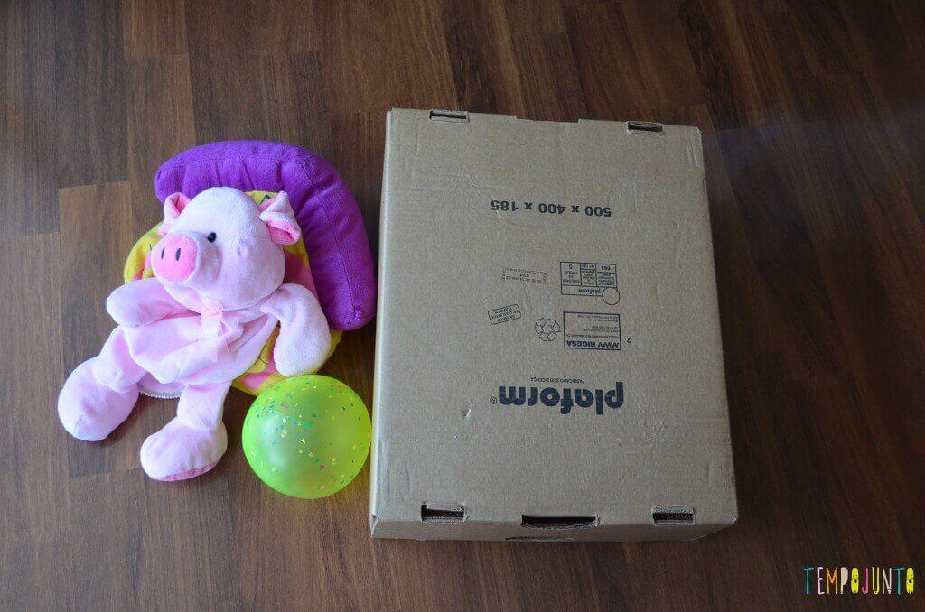 O jogo inventado pelas crianças Acerte a bola - material com caixa e ursinho pro jogo