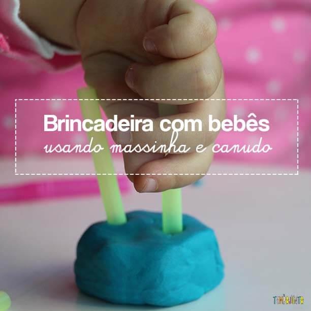 Massinha e canudos para brincar com seu bebê