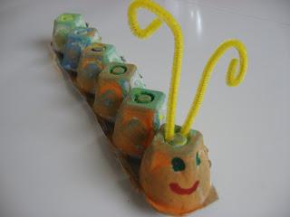 10 ideas criativas para fazer bichinhos com as crianças - lagarta de caixa de ovo