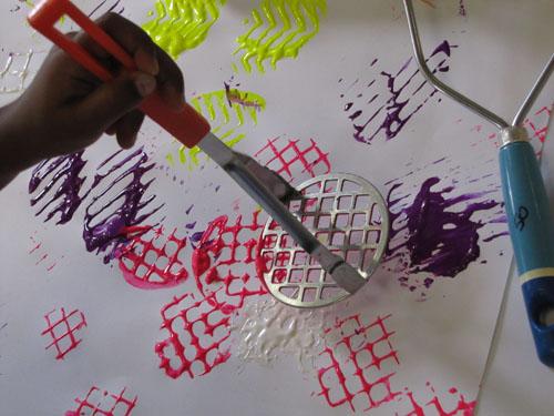 10 ideias criativas de pintura com carimbo - utensilios de cozinha