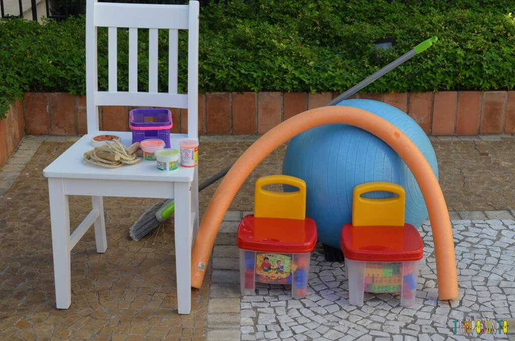 Brincadeira de circuito para as crianças - material