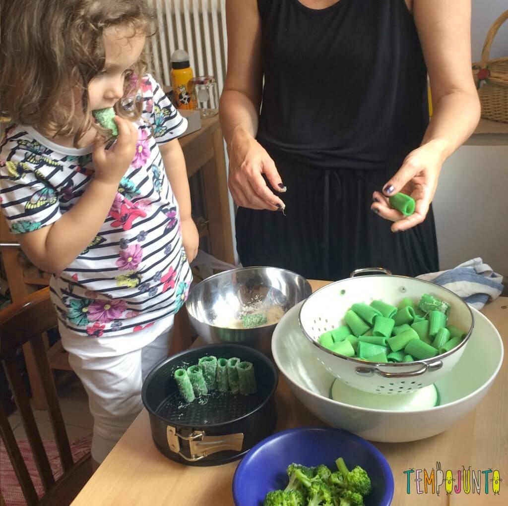 Brincando na cozinha - como criar uma Floresta Encantada dos Nutrientes com as crianças - tubinhos