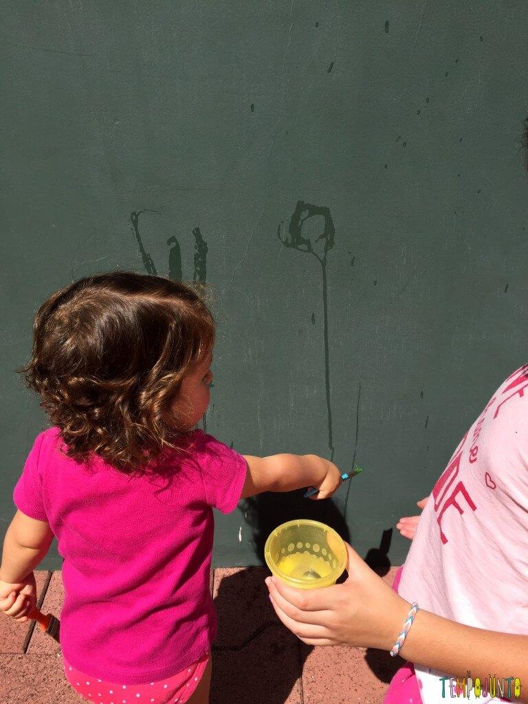 Arte sem sujeira com bebês - gabi mandando na carol