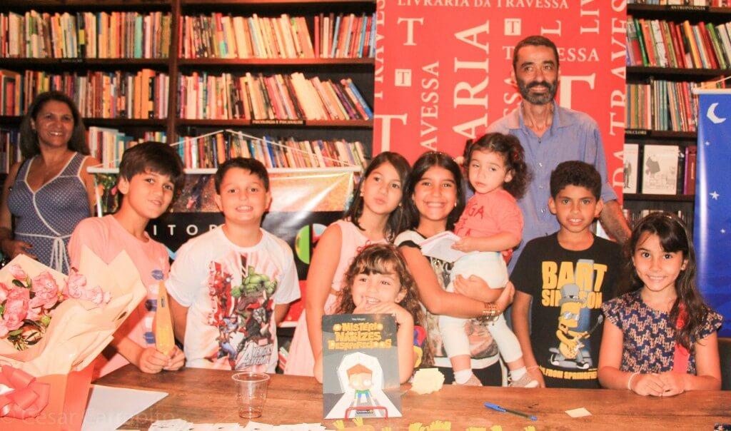 Ney Megale e as crianças