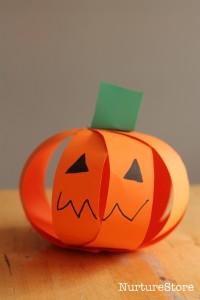 10 ideias criativas para o Halloween - abobora de tiras de papel
