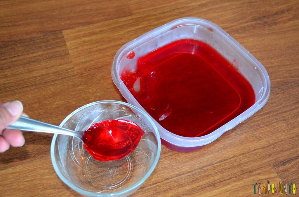 Brincar de cozinhar gelatina é simples e delicioso - gelatina pronta