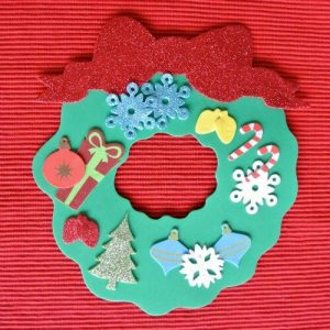 10 ideias de artesanato de natal para fazer com as crianças - guirlanda de EVA