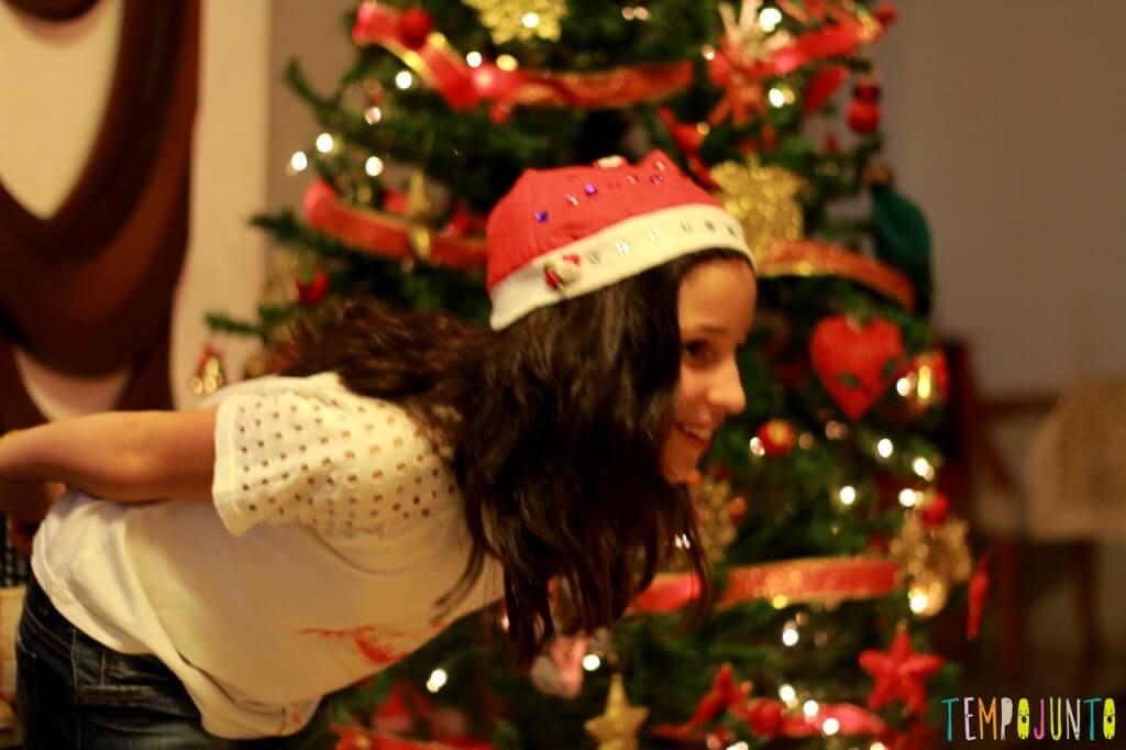 10 ideias de brincadeiras de Natal - carol de gorro de papai noel