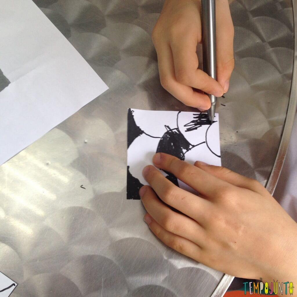trabalhos de escola tinta com canetinha maozinha pintando a caneta
