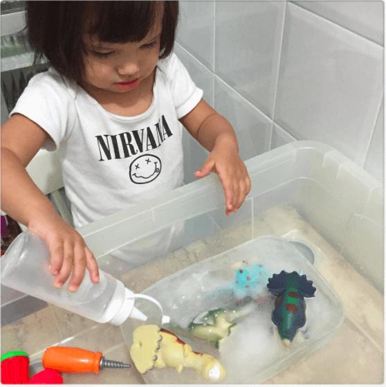 10 ideias de brincadeiras para fazer com gelo- escavacao arqueologica
