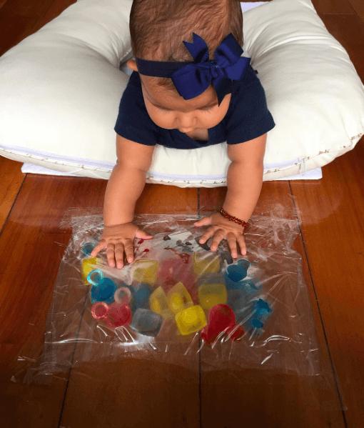 10 ideias de brincadeiras para fazer com gelo - gelo no chao
