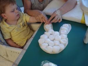 20 ideias para se divertir na Páscoa - coelho de algodao