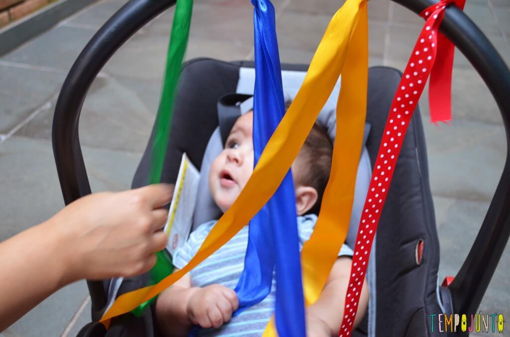 Estimular a visão e o tato do bebê antes dos 6 meses - bernardo curioso