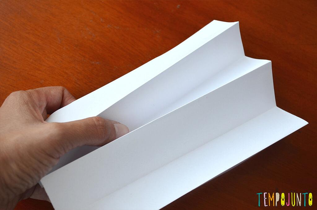 Brinquedo que ajuda a formar e ler as primeiras palavras - papel dobrado