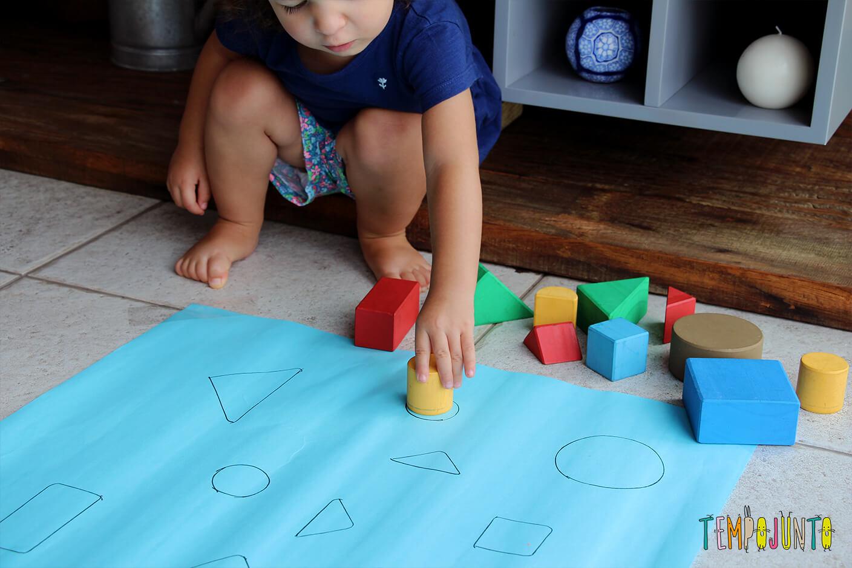 Como fazer um jogo de encaixe para as crianças - gabi chegando