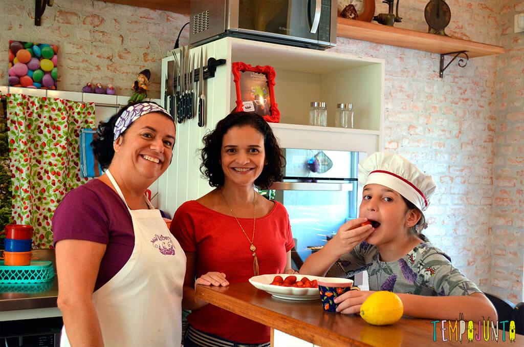 Presente da mamãe feito pela Chapeuzinho Vermelho - Tempojunto na Cozinha - marisa pat e carol