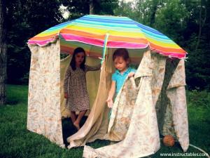 10 maneiras de fazer uma cabana em casa - cabana de guarda sol