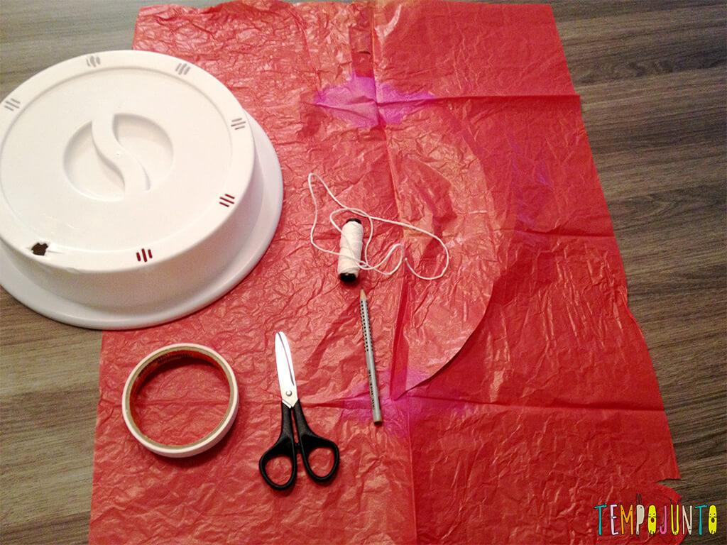 30 Brincadeiras de movimento para uma gincana que será um arraso - paraquedas materiais