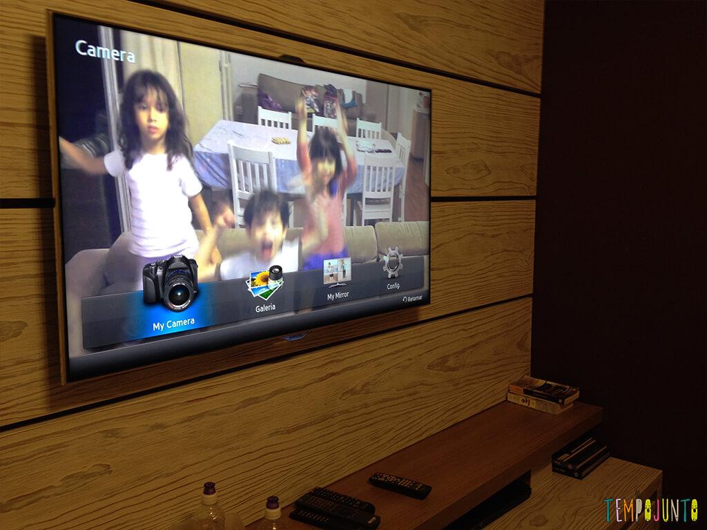 Brincadeira com a TV - fotos na tv