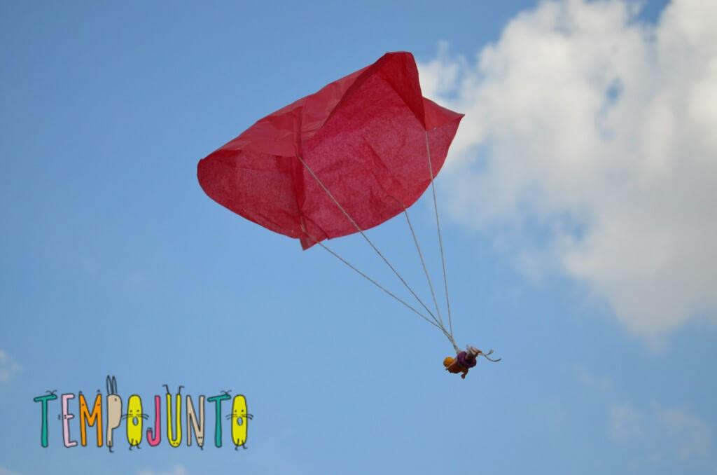 brincadeiras para criançasentre 3 e 5 anos. paraquedas