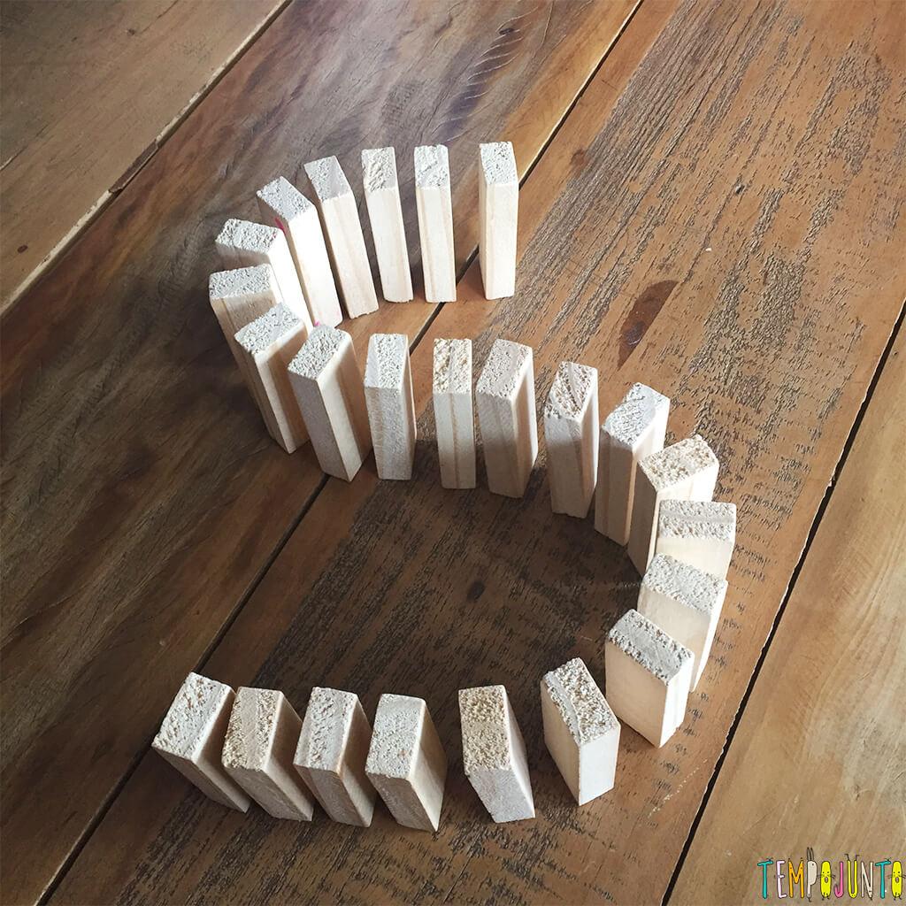 Qual foi a última fila de dominó que você fez para derrubar - fila