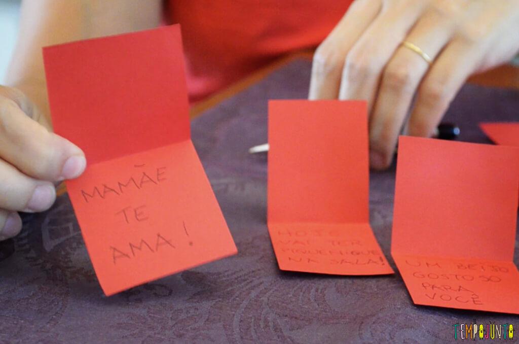 Um mimo para as férias das crianças - Tempojunto na Cozinha com Madame Aubergine - preparação bilhetes