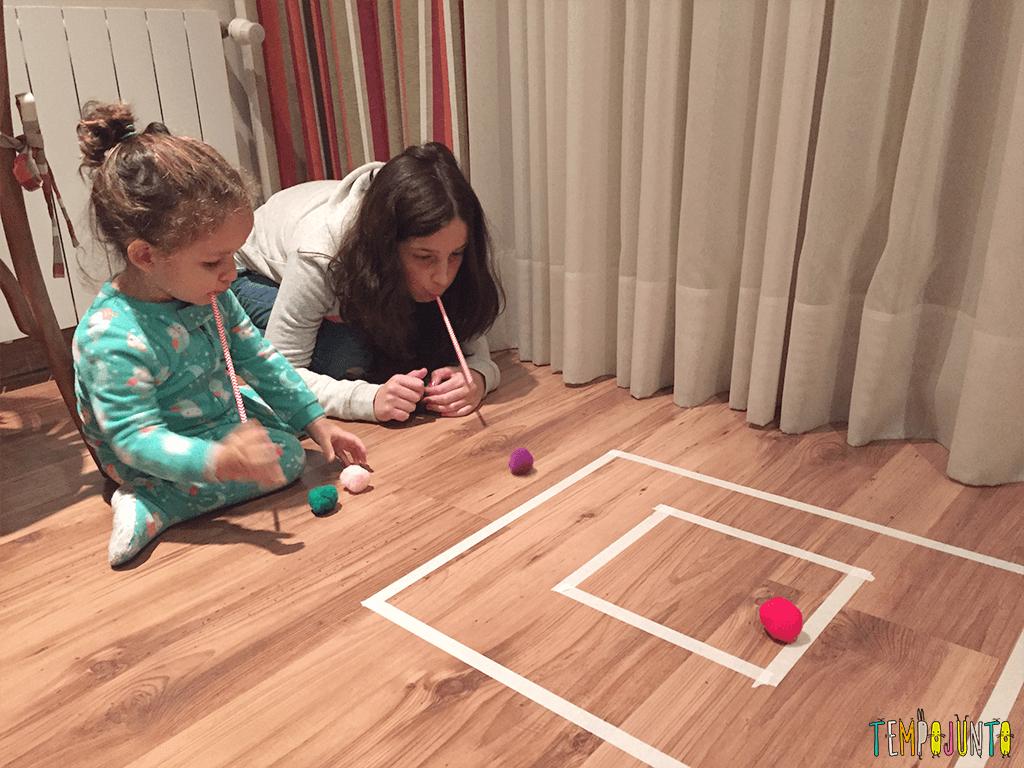 brincadeira rapida pra distrair as criancas - carol e gabi brincando