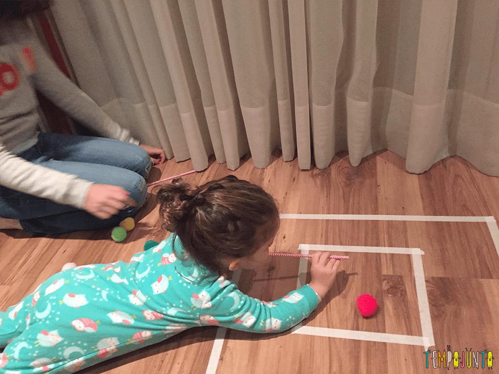 brincadeira rapida pra distrair as criancas - gabi soprando