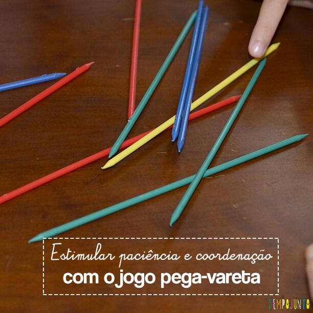 Pega-vareta é um jogo que estimula a paciência e a coordenação motora fina das crianças