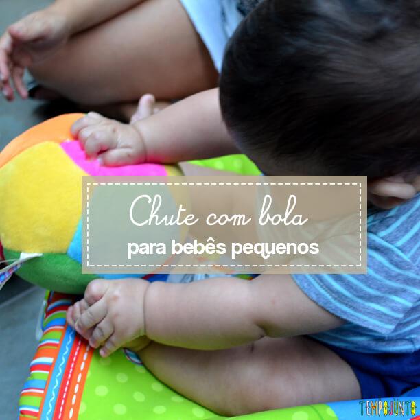 Chute com bola para bebês pequenos